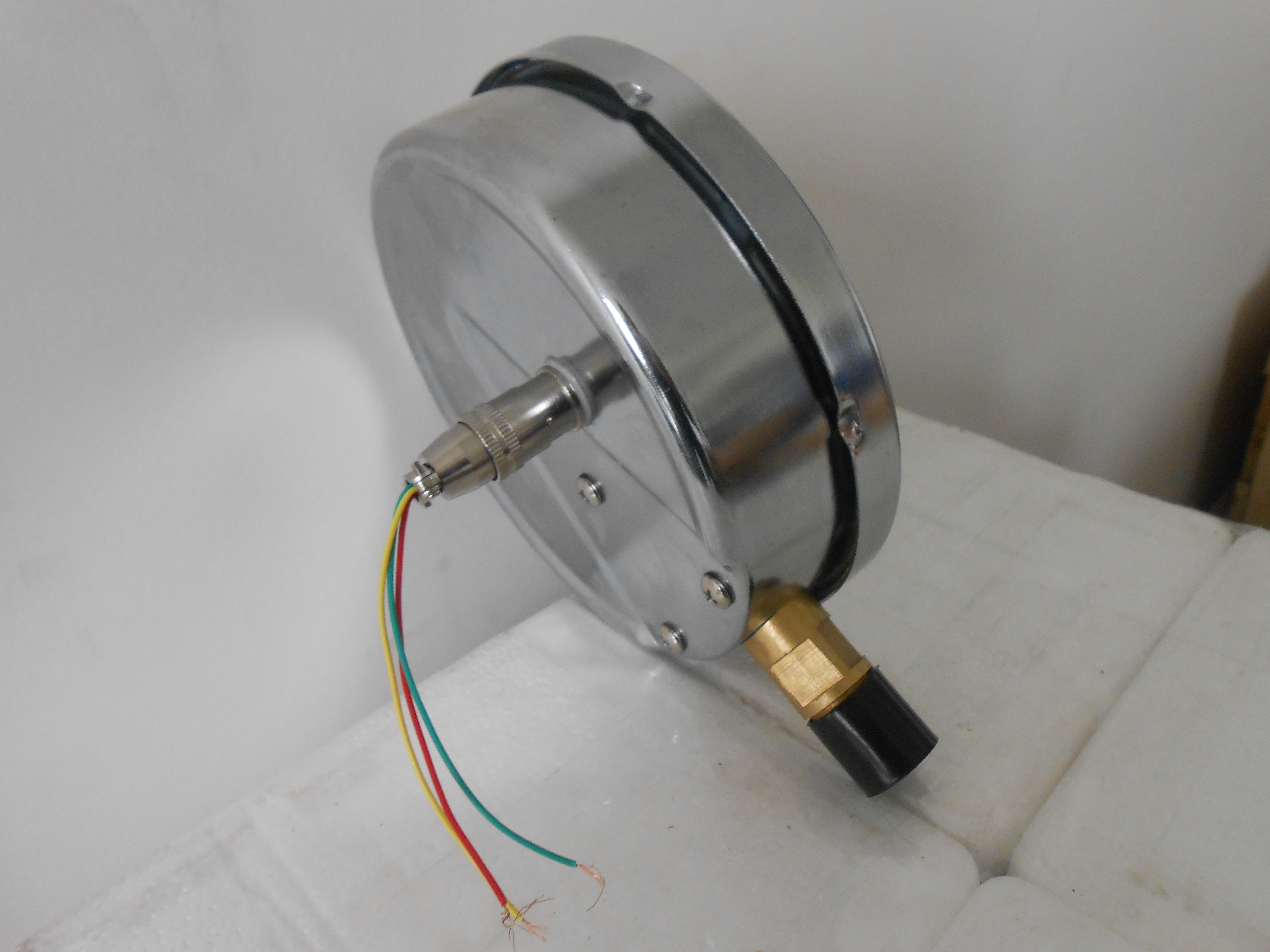 远传压力表的特点-江苏润仪仪表有限公司